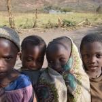 Bambini sui monti di Mbuga