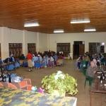Cene con le ragazze della scuola di cucito alla parrocchia di Mlali