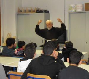 P. Flavio con una classe